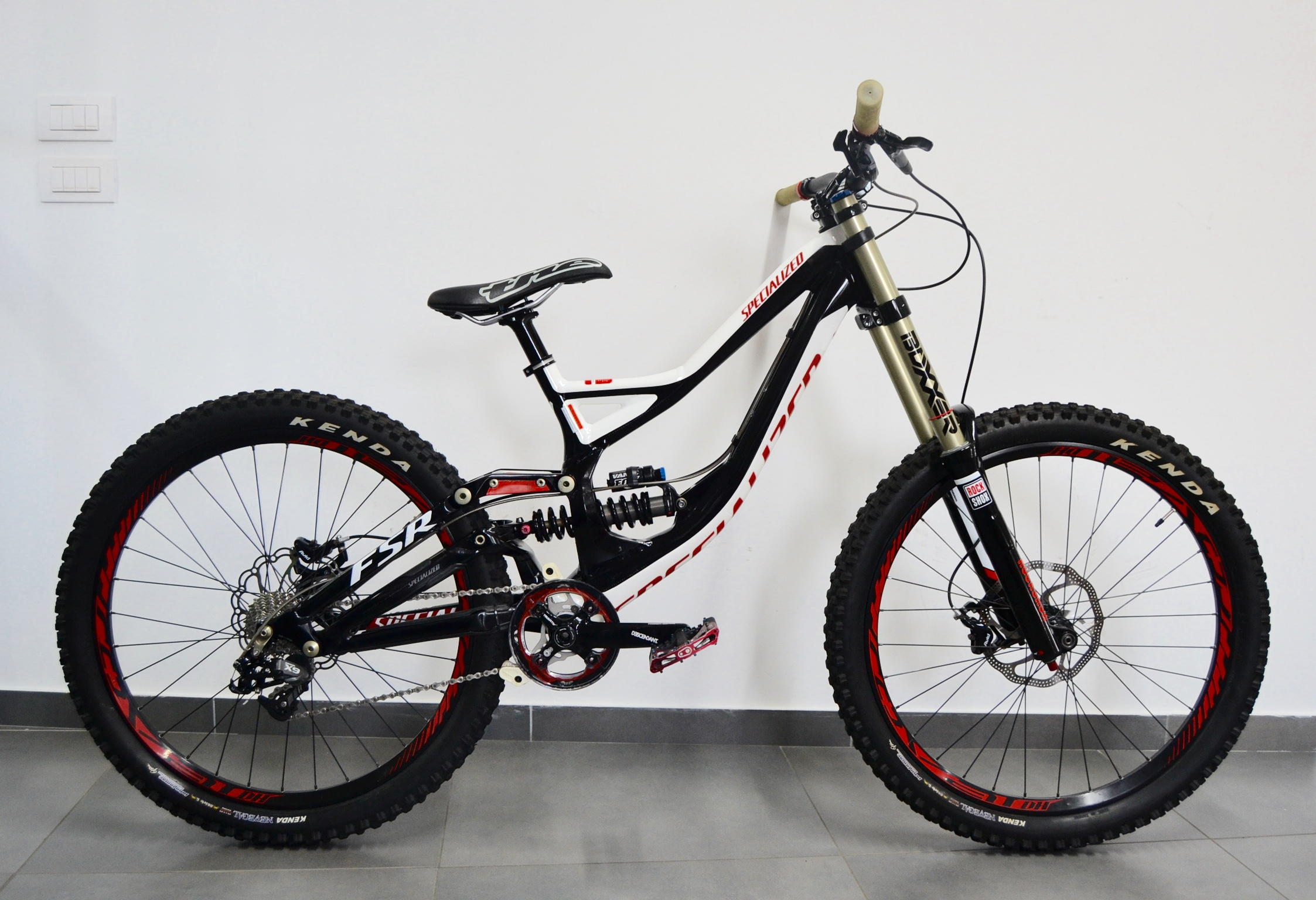 SPECIALIZED DEMO 8I M5 – 2013 1